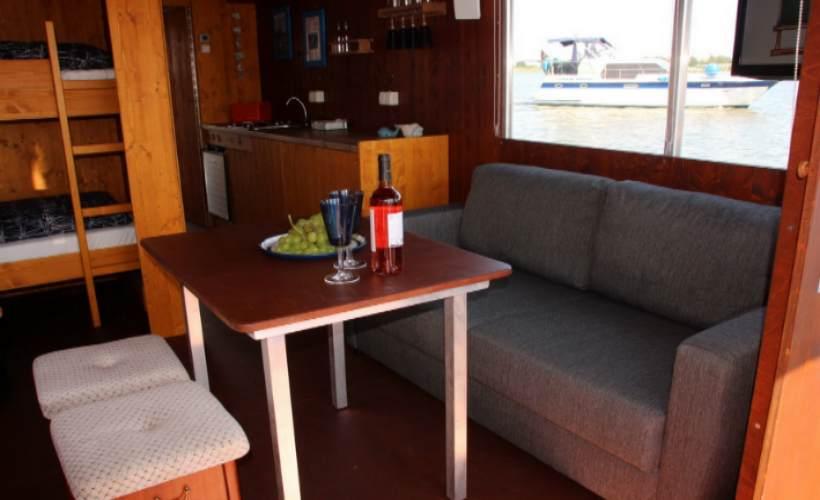 Bild vom der Innenausstattung des Hausbootes
