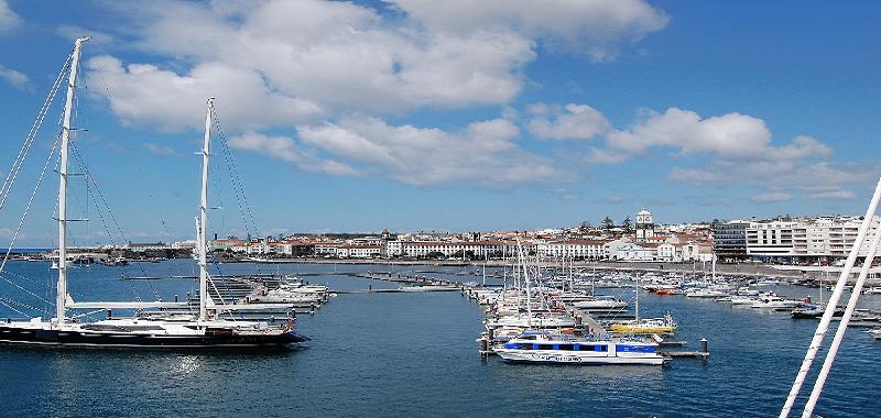 Bild von einem Yachthafen