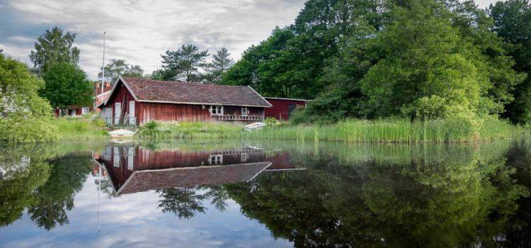 Urlaub in Schweden: Angelseen, Wanderwege und Loipen vor der Holzhaustür