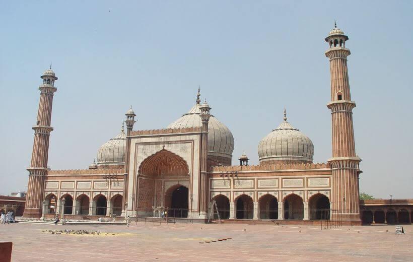 Das Bild zeigt die Moschee Jama Masjid